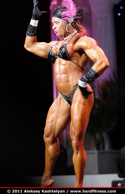 Betty Viana - finals - 2011 Arnold Classic
