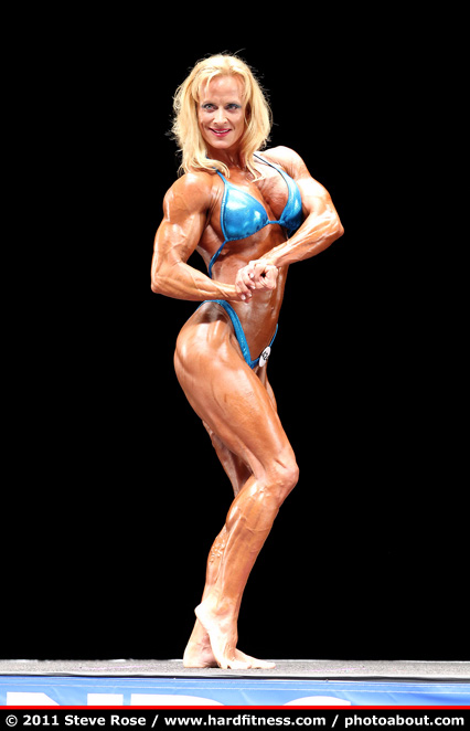 Holly Chambliss - prejudging - 2011 NPC Nationals