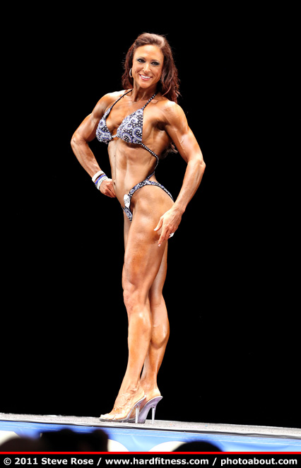Robin Harris - twopiece - 2011 NPC Nationals