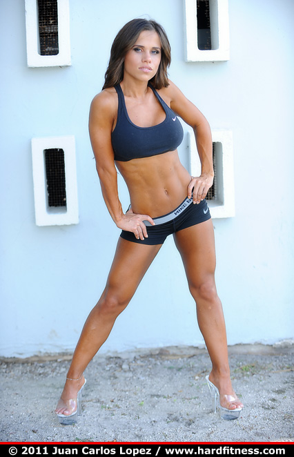 Abby marie fitness models shows her hardbody 8